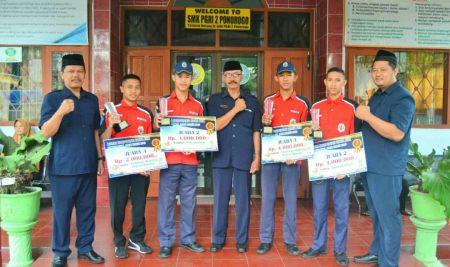 Kado Spesial HUT SMK PGRI 2 Ponorogo dengan memborong piala dalam LKS Tingkat Jawa Timur